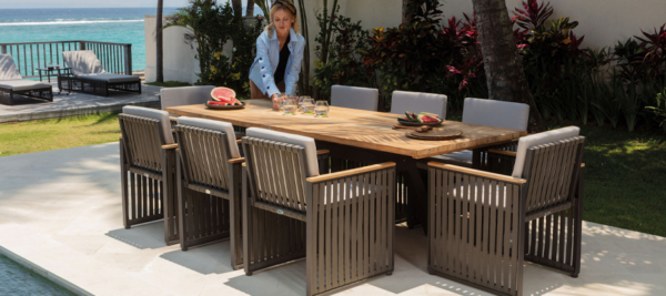 Garden Dinning Tables and Chairs