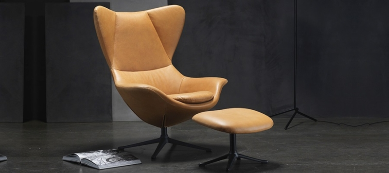 Theca leather armchair top quality.