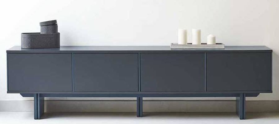 TV stand in living roo,